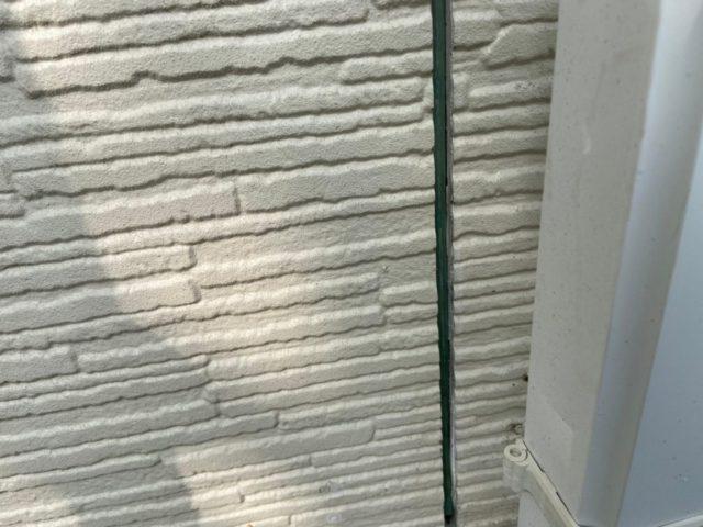 外壁塗装中のコーキング補修