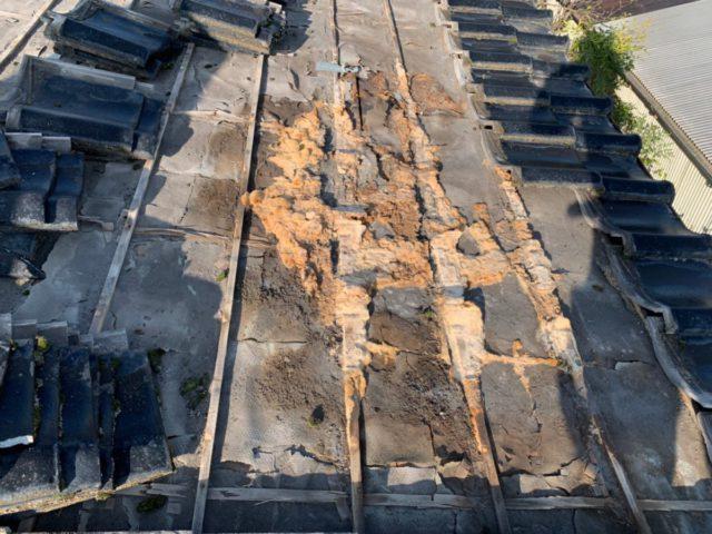 屋根の劣化補修部分の様子