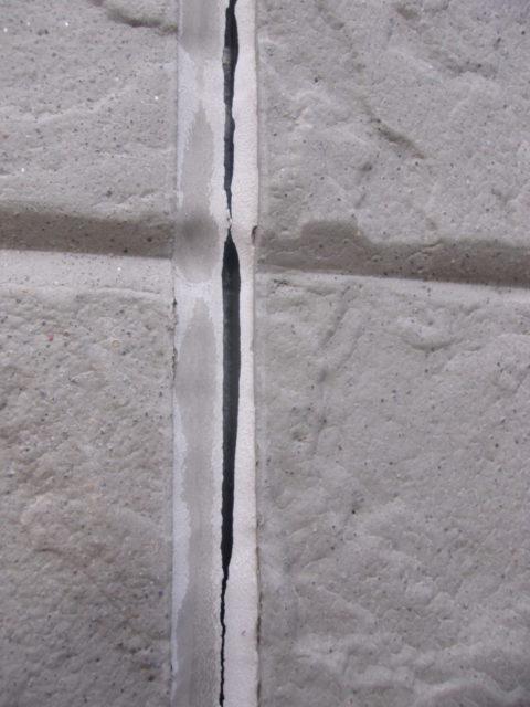 外壁塗装 コーキング劣化の様子